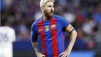 Trách Messi và đồng đội khi vắng mặt trong ngày Ronaldo đăng quang là quá đáng?