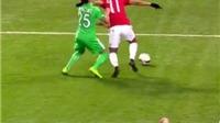 TRANH CÃI: Martial đáng bị đuổi vì đánh cầu thủ Saint Etienne chảy máu mồm?