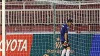 Thủ môn Long An không phải người duy nhất quay lưng với quả penalty