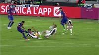 Barcelona đã bị tước oan một quả phạt đền?