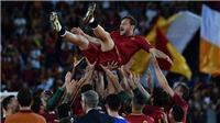 Francesco Totti  và bài phát biểu chia tay khiến NHM rơi nước mắt