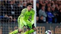 'Găng tay Vàng' Premier League gọi tên Thibaut Courtois