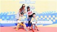 Hoa hậu Bảo Ngọc, siêu mẫu Hạ Vy dẫn con đua xe thăng bằng