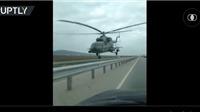 Đứng tim, trực thăng bay sát mặt đường cao tốc