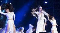 Người Hàn reo hò khi Đông Nhi trình diễn siêu hit 'Bad Boy' tại 'Asia Song Festival'