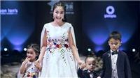 Ốc Thanh Vân cùng 3 con 'chiếm sóng' sàn diễn Vietnam Junior Fashion Week