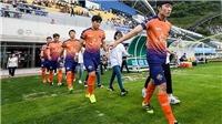 Đức Chinh nhớ Xuân Trường, Quả bóng bạc Việt Nam thành 'người thừa' ở Gangwon