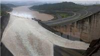 Sau thủy điện Hòa Bình, thủy điện Sơn La mở cửa xả lũ