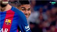 Tại sao Casemiro lại cười đầy bí hiểm với Pique?