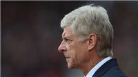 Fan Arsenal đổ lỗi cho trọng tài sau trận thua Stoke