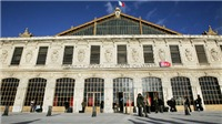Binh sĩ Pháp nổ súng tiêu diệt kẻ tấn công bằng dao sát hại 2 phụ nữ tại ga xe lửa