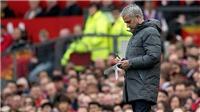 Mourinho: 'Thời buổi này, đến đi vệ sinh cũng có thể bị gãy chân'
