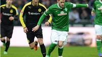 Từ pha 'fair play' hiếm thấy của sao Bremen: Những khoảnh khắc đẹp nhất trong bóng đá