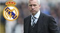 CẬP NHẬT tin tối 29/12: Alan Pardew có thể dẫn dắt Real. Chelsea bị các CLB Italia 'rút ruột'