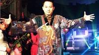 Ca sĩ Tùng Dương: Tự gói bánh chưng, đưa con trai đi chúc Tết
