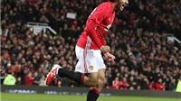 NÓNG: Man United ký hợp đồng mới với Fellaini
