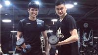 Cầu thủ Việt 'vui xuân không quên nhiệm vụ'