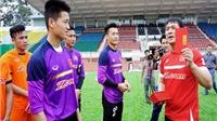 Thầy trò U23 Việt Nam được nhận lì xì