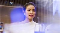 Khán giả bất ngờ khi nghe Hoa hậu Phạm Hương ngọt ngào trong MV đầu tay