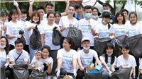 Hoa hậu Biển Thùy Trang chung tay hàng nghìn sinh viên làm sạch Hà Nội
