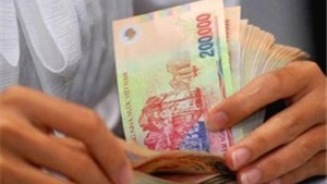 Đề xuất tăng lương tối thiểu trước lộ trình
