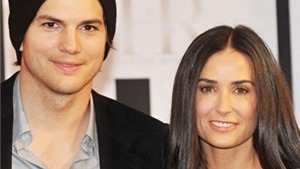 Demi Moore ly dị chồng trẻ