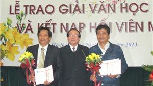 Giải thưởng Hội Nhà văn 2012: Mỗi ô cửa mở ra những đời sống khác