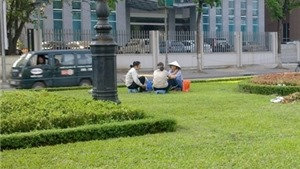 Hàng loạt vườn hoa, cây xanh ở Hà Nội bị lấn chiếm, sử dụng sai mục đích