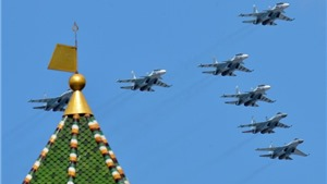 Video: Hàng trăm chiến đấu cơ của Nga xếp hình mừng chiến thắng phát xít