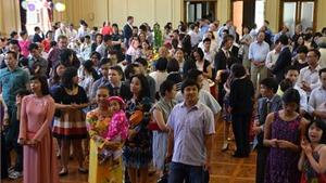 Miễn thị thực cho người Việt Nam định cư ở nước ngoài và thân nhân