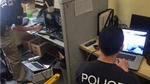 Cảnh sát Mỹ 'gài bẫy' bắt đường dây gian lận thị thực cho 1.000 du học sinh