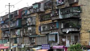 Hà Nội di dời khẩn cấp hộ dân tại 3 khu chung cư cũ có nguy cơ sập đổ