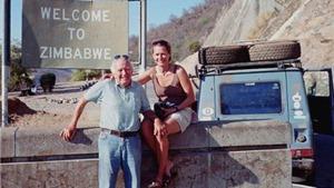 26 năm vòng quanh thế giới: Cặp 'phượt thủ' đi cho đến… chết!
