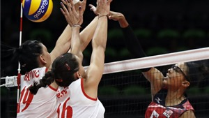Tuyển bóng chuyền Mỹ khóc tức tưởi sau trận thua sốc trước Serbia ở Olympic