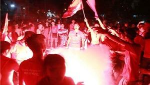 CĐV Hải Phòng đốt pháo sáng, BTC sân Khánh Hòa bị phạt 15 triệu đồng