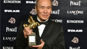 Hầu Hiếu Hiền 'thắng đậm' tại giải Kim Mã 2015: 'Tôi thay đổi cách làm phim vì… Thư Kỳ'