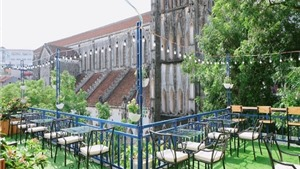 Quán cafe Hà Nội mà ngỡ như ở Châu Âu