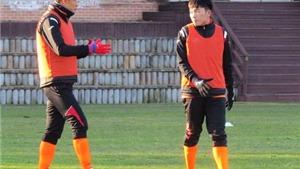 Xuân Trường được 'đàn anh' tại Gangwon truyền bí kíp