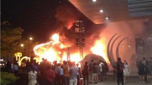 VIDEO: Tượng Kong bị cháy rụi trong buổi ra mắt 'Kong: Skull Island'
