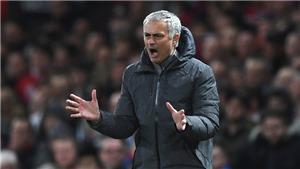 Cuộc đua Top 4 Premier League: Man United lo ngại đại gia. Liverpool lo sợ... cửa dưới