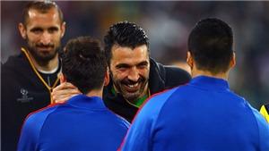 Buffon cứu thua ngoạn mục sau pha chọc khe không thể tin nổi của Messi