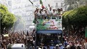 Cầu thủ Algeria được chào đón như người hùng khi về nước