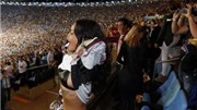 Rihanna cởi áo mừng tuyển Đức lên ngôi vô địch