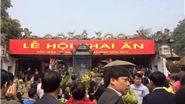Chùm ảnh du lịch: Biển người chen nhau xin ấn ở đền Trần