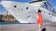 Nóng bỏng: siêu mẫu gốc Việt biến tàu khổng lồ ở Sydney thành sàn diễn