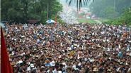 Chùm ảnh du lịch: Biển người đi lễ Giỗ tổ Hùng Vương 2016