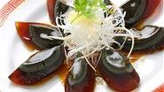 Trứng đen 500 tuổi đậm đà, ngậy vị: Bạn đã thưởng thức chưa?
