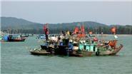 Cứu nạn 6 thủy thủ tàu cá bị chìm trên vùng biển Ninh Thuận ngay trước bão số 15