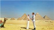 Cặp đôi mê du lịch đi khắp thế giới và cưới nhau... 100 lần