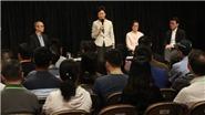 Trưởng khu hành chính đặc biệt Hong Kong (Trung Quốc) tiến hành cuộc đối thoại cộng đồng đầu tiên